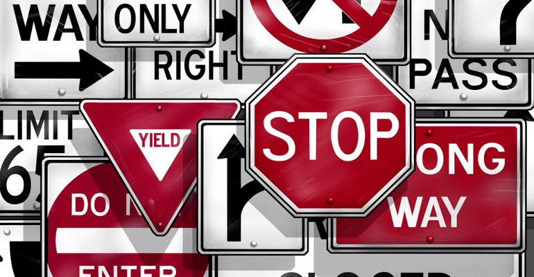 segnali stradali regole