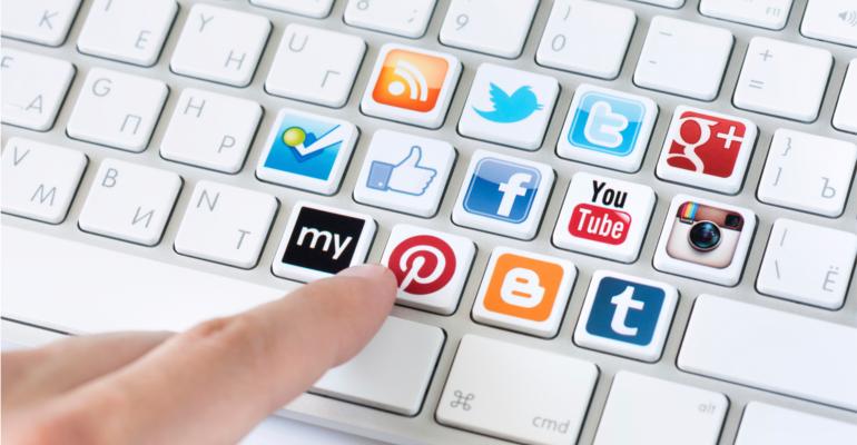 social media tastiera