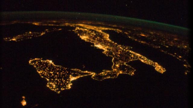 italia_satellite_notte
