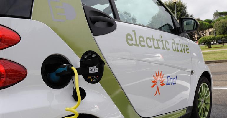 auto elettrica Enel